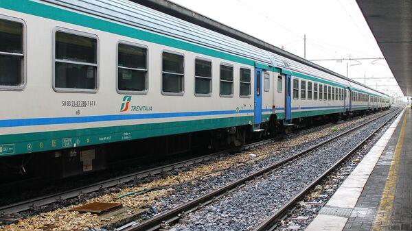 Treno regionale Trenitalia - Sputnik Italia