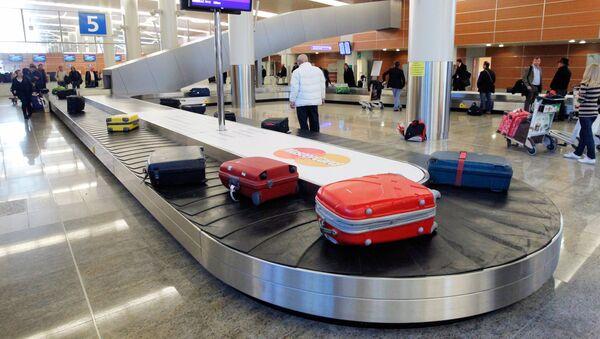 Valigie all'aeroporto - Sputnik Italia