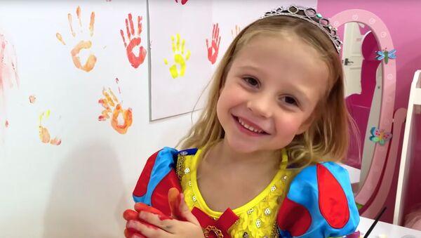 5-летняя блогерша из Краснодара Настя Радзинская - Sputnik Italia