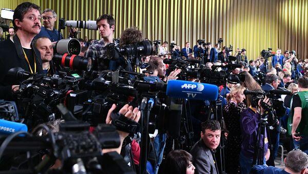 La grande conferenza stampa di fine anno del presidente russo Vladimir Putin. Il 19 dicembre 2019 - Sputnik Italia