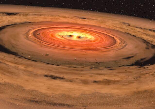 Impressione di un artista di un disco che formato nel sistema solare attorno a una nana rossa