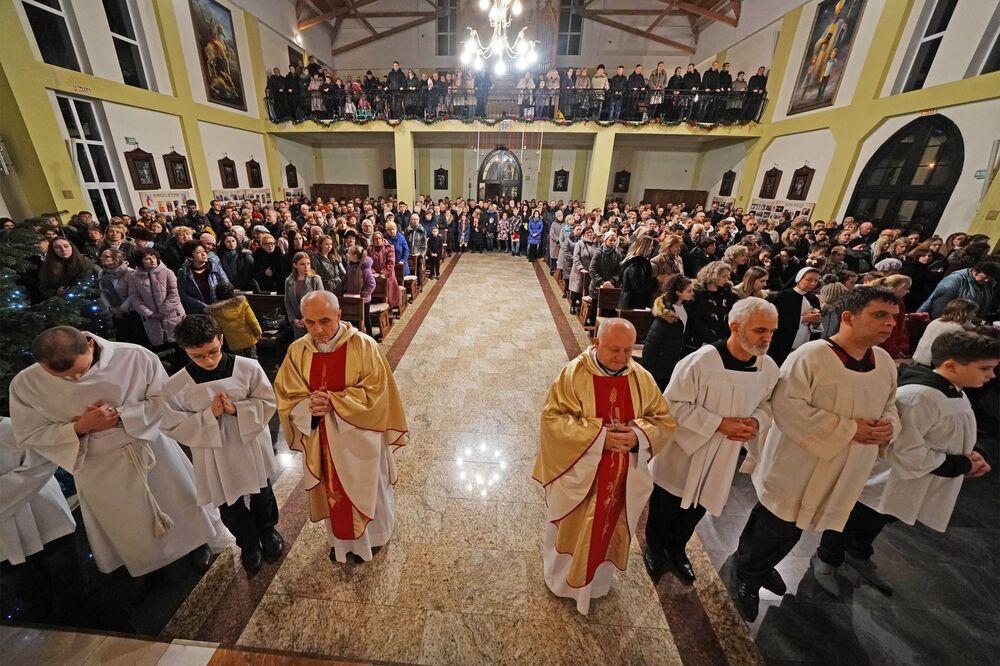 La messa di Natale nella Basilica cattolico-romana di Sant'Adalberto a Kaliningrad, Russia.