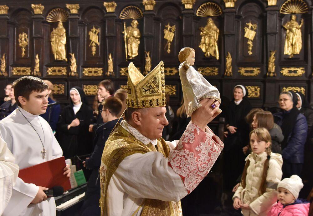 Una messa di Natale a Leopoli.