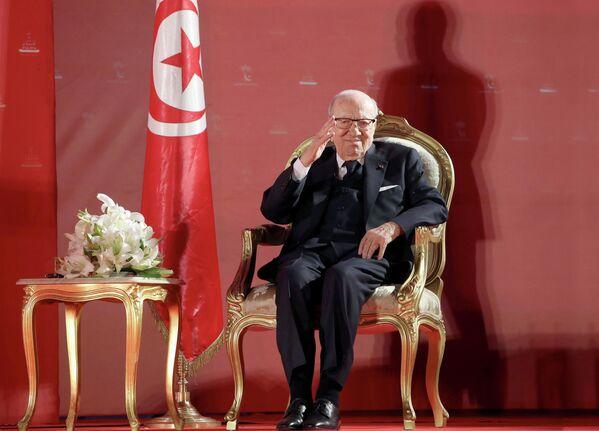 Beji Caid Essebsi, politico e avvocato tunisino, quinto presidente della Repubblica di Tunisia dal 31 dicembre 2014, il primo scelto con libere elezioni nella storia del Paese, è scomparso il  25 luglio 2019 - Sputnik Italia