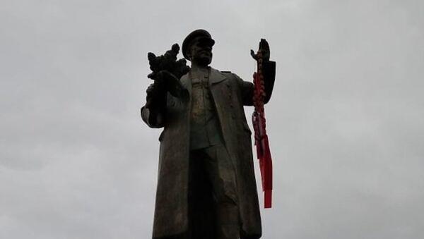 V Praze byl zneuctěn památník maršála Koněva  - Sputnik Italia