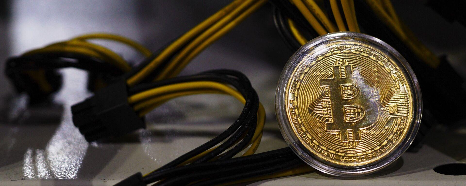 Moneta Bitcoin - Sputnik Italia, 1920, 21.12.2020