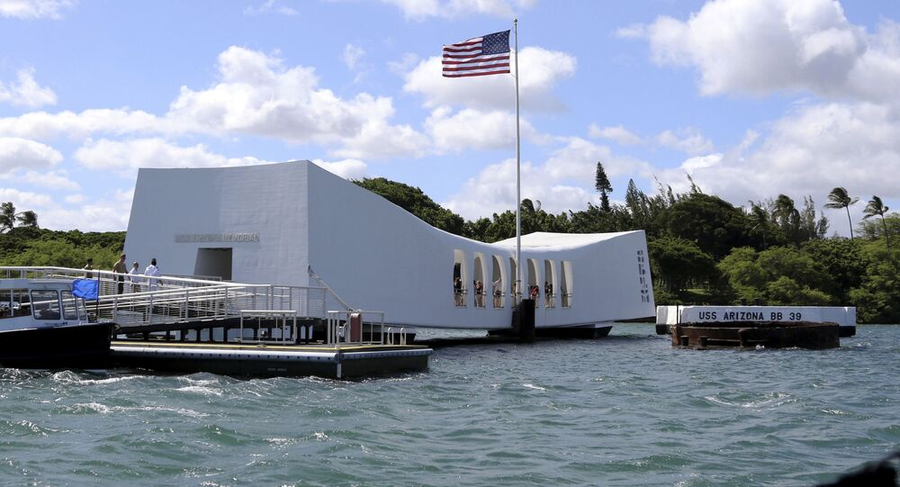 USS Arizona Memorial en Pearl Harbor, Hawái
