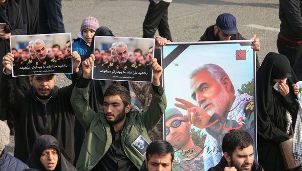 Gli iraniani protestano in risposta all'uccisione di Soleimani  - Sputnik Italia