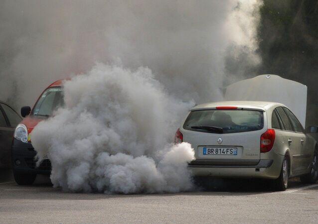 Esplosione auto a Foggia