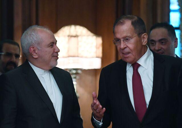 Sergey Lavrov e Muhammad Javad Zarif (foto d'archivio)