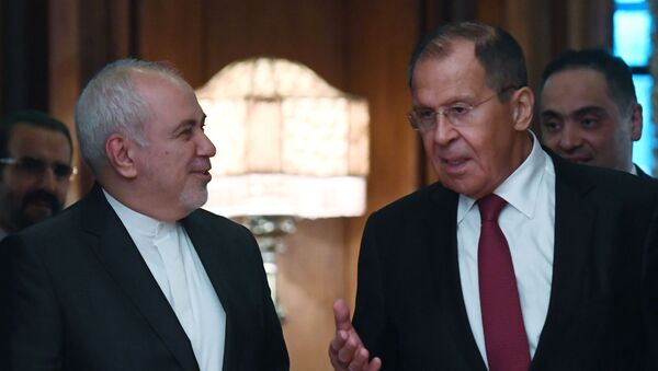 Russian Foreign Minister Sergei Lavrov (right) and Foreign Minister of the Islamic Republic of Iran Muhammad Javad Zarif during a meeting in Moscow - Sputnik Italia