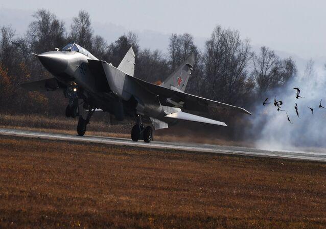 Un MiG-25 durante delle esercitazioni
