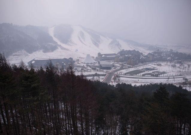 Le Olimpiadi precedenti, quelle di 2018, si terranno in Corea del Sud, nella città di Pyeongchang