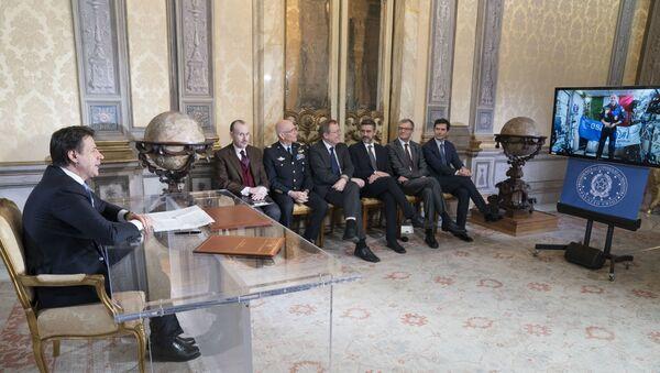 Il video collegamento tra il premier Conte e l'astronauta Parmitano - Sputnik Italia