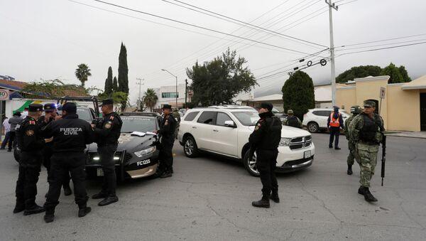Polizia messicana sul luogo della sparatoria - Sputnik Italia