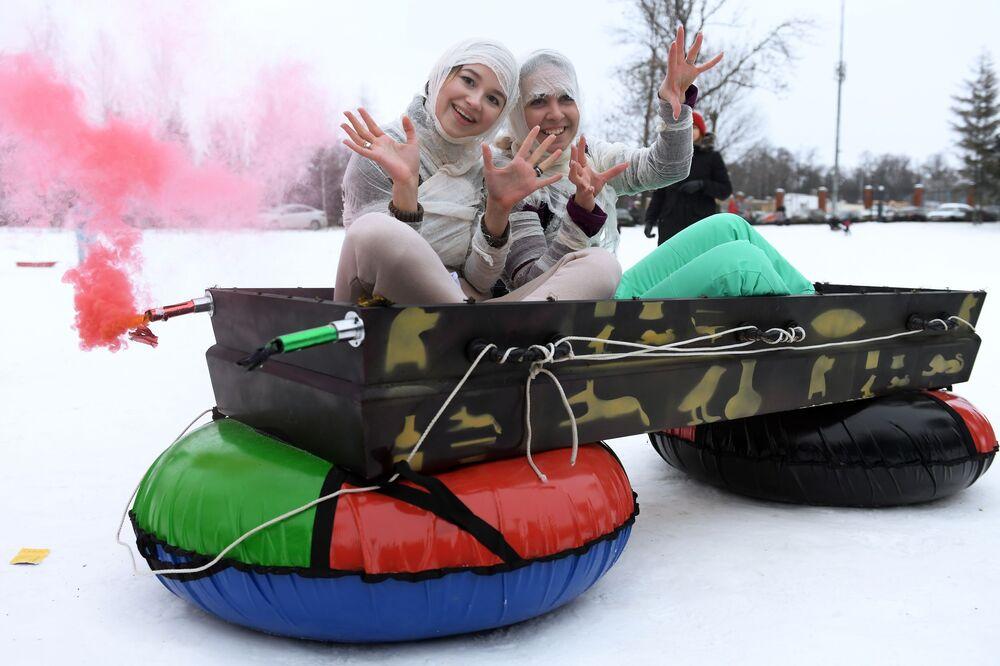 Partecipanti al festival Slitta di Kazan, Russia