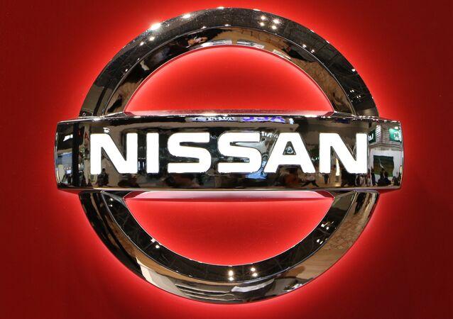 Il logo del gigante automobilistico giapponese Nissan Motor  al Motor Show di Tokyo il 2 novembre 2015.