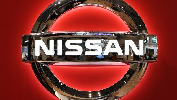 Il logo del gigante automobilistico giapponese Nissan Motor  al Motor Show di Tokyo il 2 novembre 2015. - Sputnik Italia