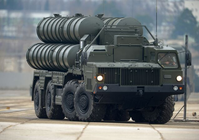 Sistema di difesa anti-aerea S-400