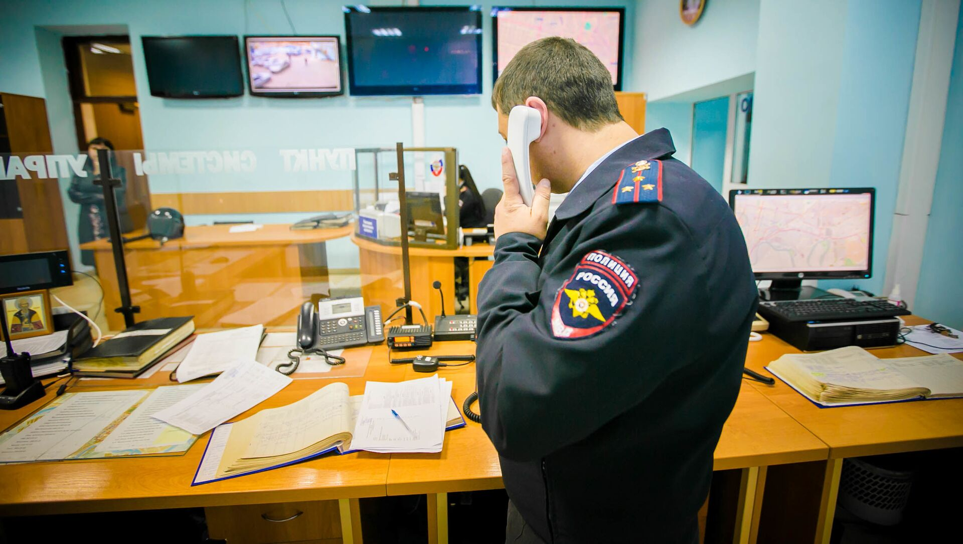 Polizia russa - Sputnik Italia, 1920, 17.05.2021
