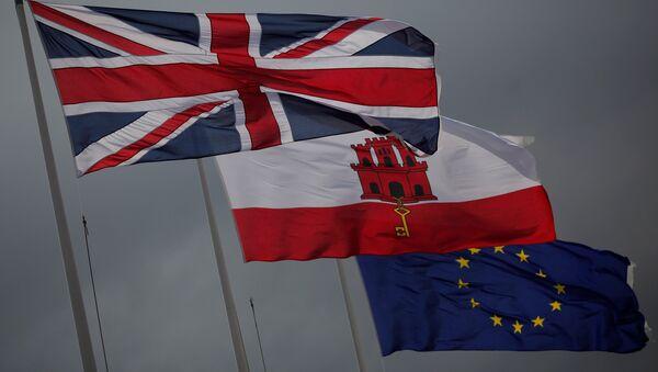 Bandiere di Gran Bretagna, Gibilterra ed UE - Sputnik Italia