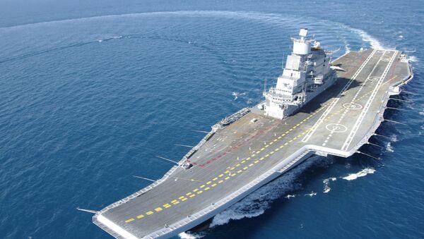 La portaerei indiana INS Vikramaditya (ex Gorshkov) durante le sue prove in mare - Sputnik Italia