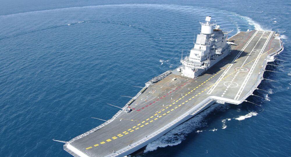 La portaerei indiana INS Vikramaditya (ex Gorshkov) durante le sue prove in mare