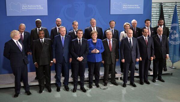 Foto di gruppo dei capi di Stato e di Governo alla Conferenza internazionale sulla Libia a Berlino - Sputnik Italia