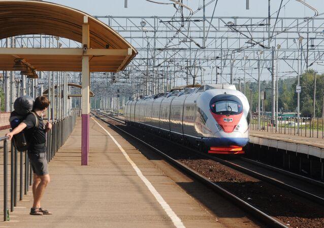 Il treno ad alta velocità russo Sapsan