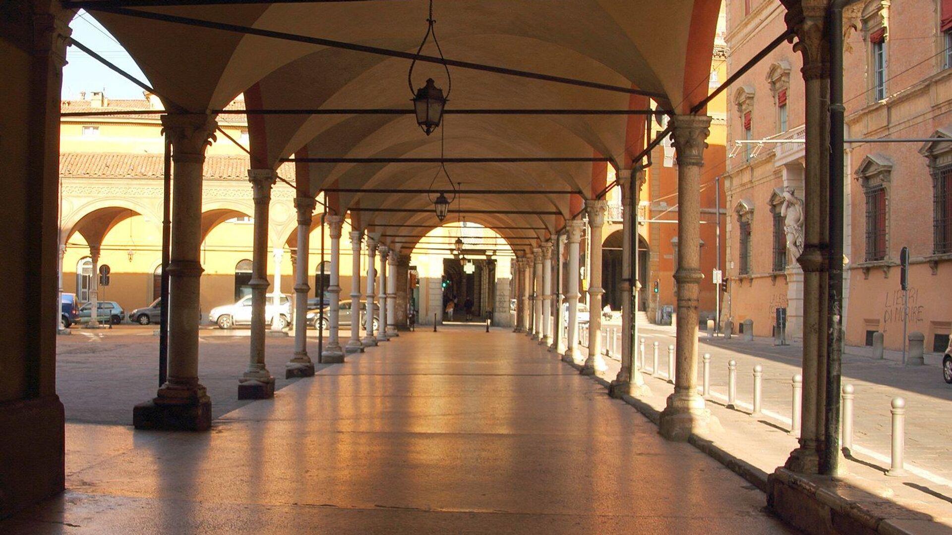 Il portico di Santa Maria dei Servi a Bologna - Sputnik Italia, 1920, 28.07.2021