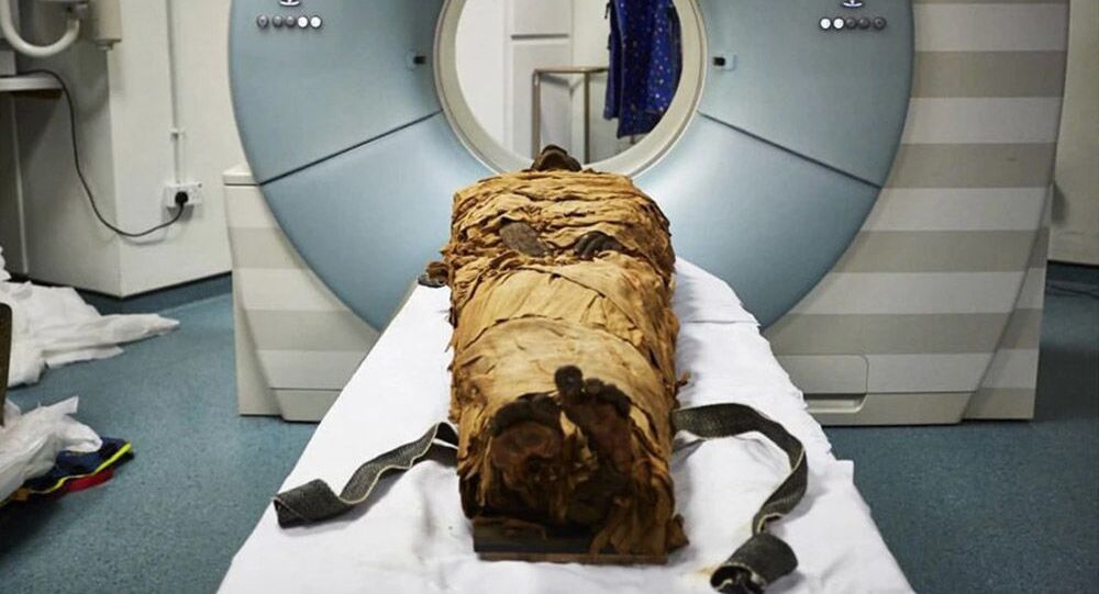 Il corpo mummificato del sacerdote Nesyamun