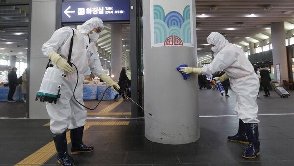 La disinfezione della stazione Suseo a Seoul, Corea del Sud. - Sputnik Italia