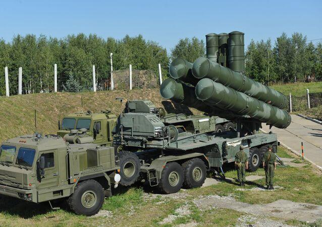 Sistema di difesa S-400 russo