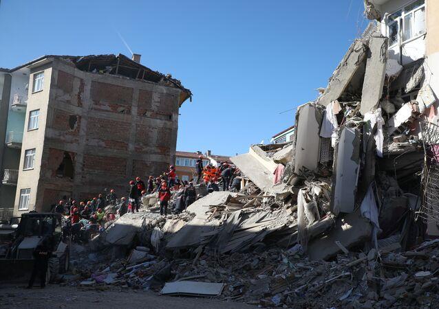Conseguenze del terremoto ad Elazig, Turchia