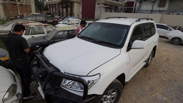 Auto di un diplomatico USA a Islamabad dopo incidente automobilistico - Sputnik Italia