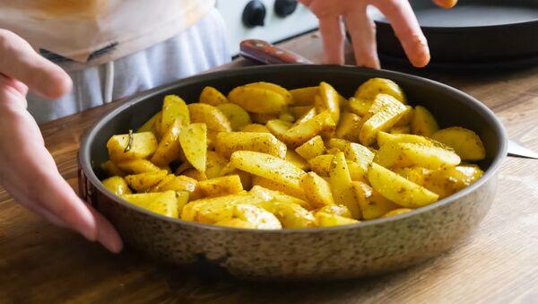 Le patate frittate - Sputnik Italia