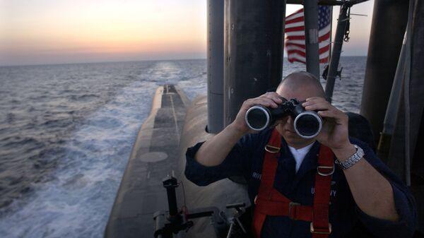 Un ufficiale al sottomarino USS Florida - Sputnik Italia