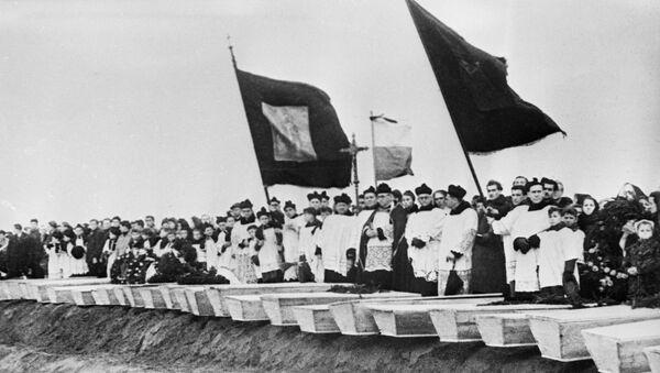 I funerali dei prigionieri di Auschwitz, il 1 febbraio del 1945 - Sputnik Italia