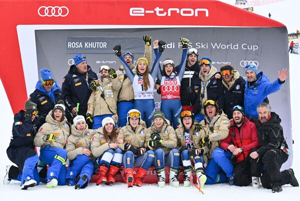 Foto di gruppo per la squadra italiana - Sputnik Italia