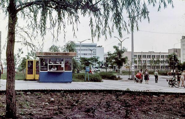 Pripyat, 1983. Prima dell'incidente di Chernobyl 47.500 persone di 27 nazionalità vivevano nella città. L'età media dei cittadini era di 26 anni. - Sputnik Italia