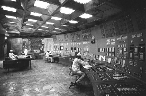 Nella stanza di controllo della centrale nucleare di Chernobyl, 1986 - Sputnik Italia
