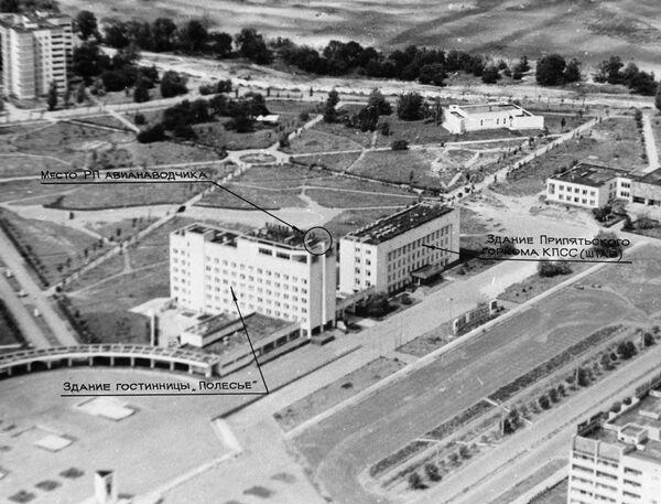 Vista della città di Pripyat nei primi giorni dopo l'incidente nella centrale nucleare di Chernobyl. Il primo rapporto sull'incidente di Chernobyl è apparso sui media sovietici il 27 aprile, 36 ore dopo il disastro. - Sputnik Italia