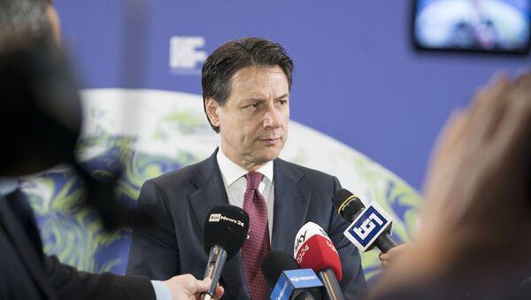 Punto stampa del Presidente Conte - Sputnik Italia