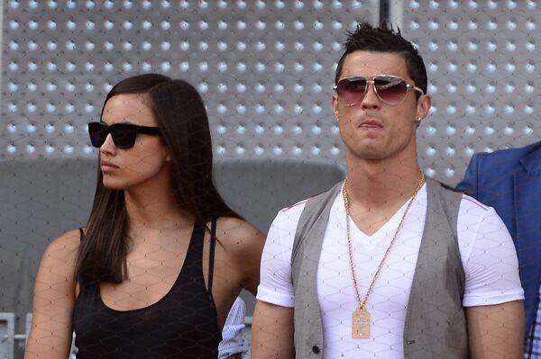Il calciatore Cristiano Ronaldo con la sua partner, supermodella russa, Irina Shayk - Sputnik Italia