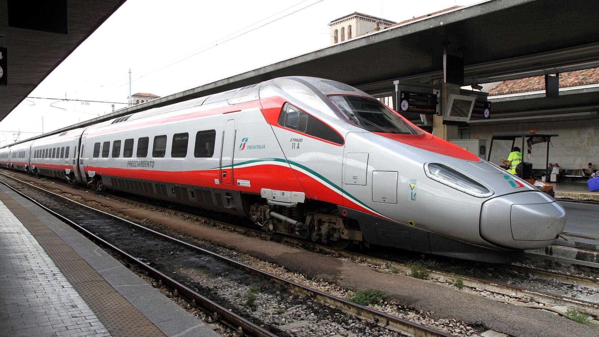 Treni italiani: Frecciargento  - Sputnik Italia, 1920, 12.07.2021
