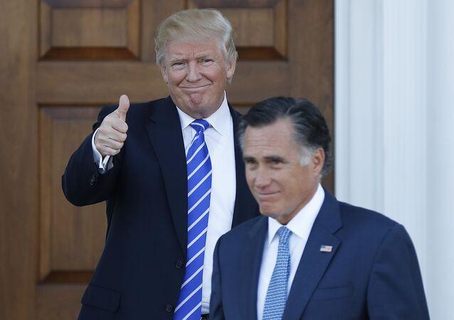 Donald Trump e Mitt Romney (foto d'archivio)