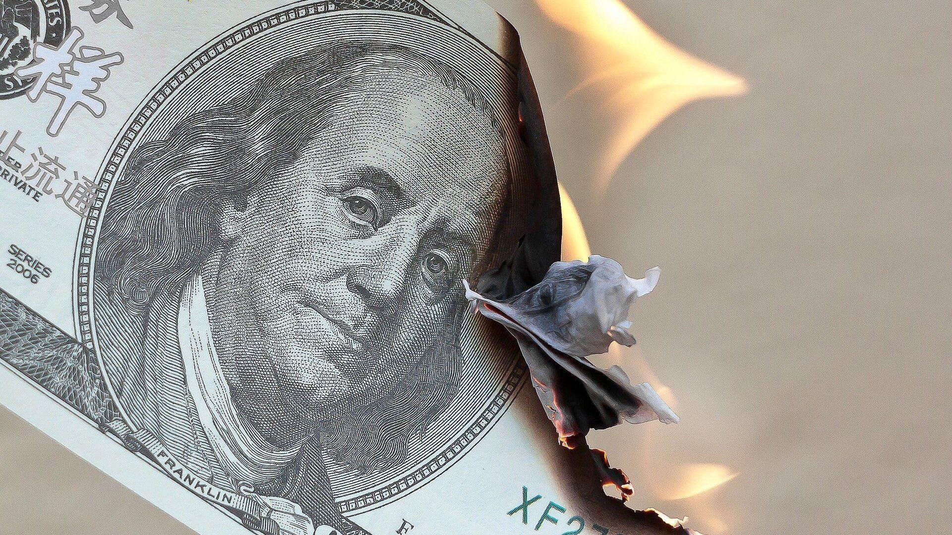 Dollaro bruciato - Sputnik Italia, 1920, 24.06.2021