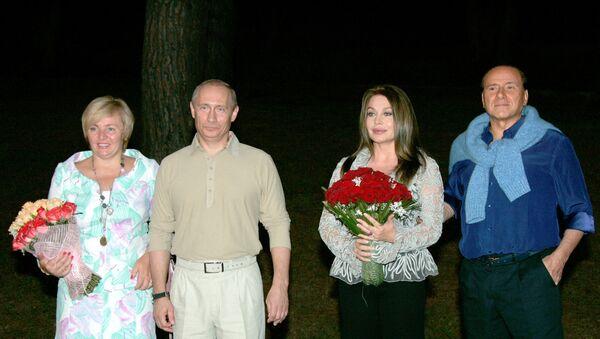 Silvio Berlusconi e Veronica Lario, 2005 - Sputnik Italia