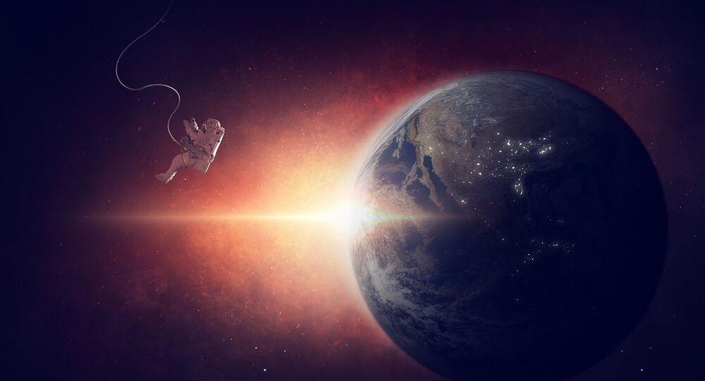 Astronauta perso nello Spazio - immagine metaforica