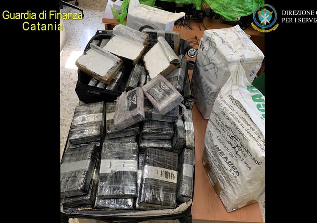 Traffico internazionale cocaina Bogotà – Catania: sequestrati 400 chili